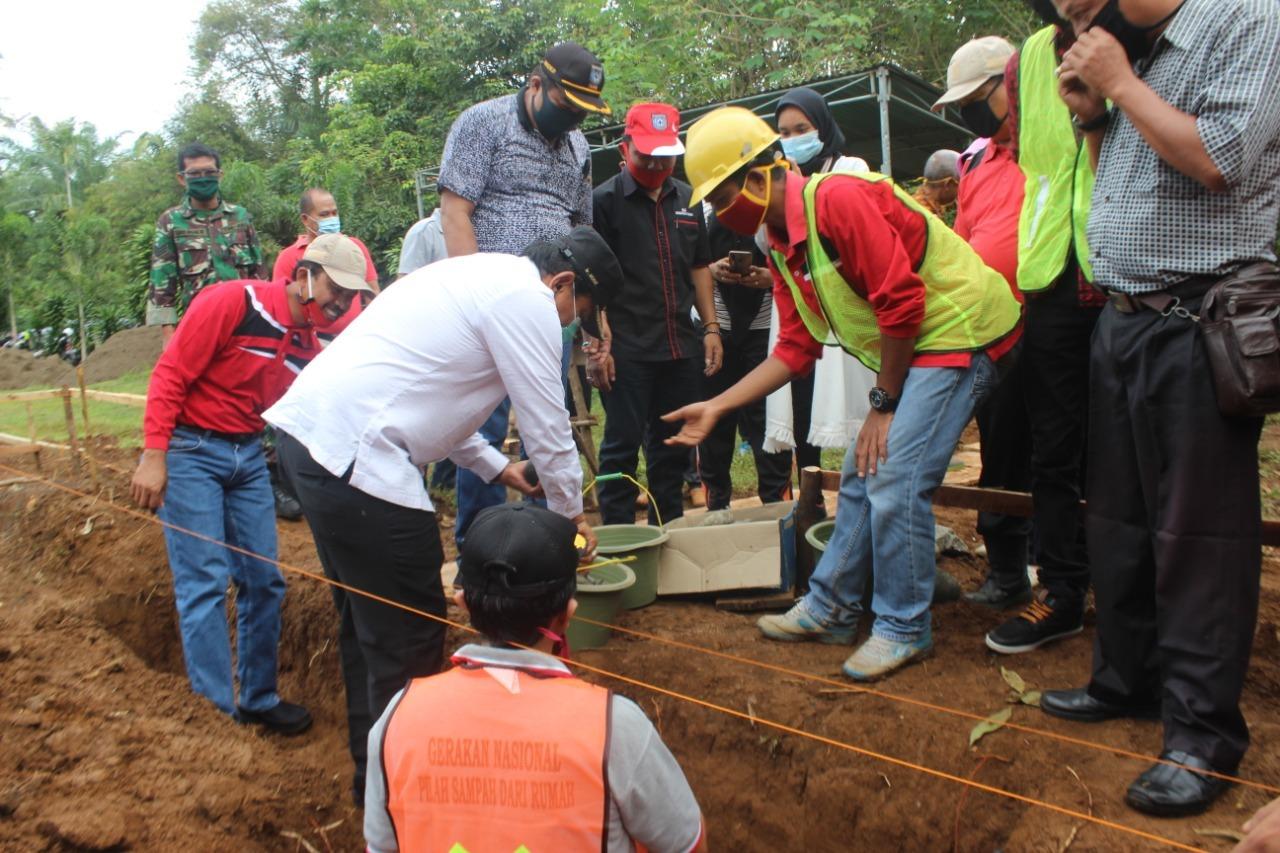 Bangun TPS 3R, Bupati BU Laksanakan Pembangunan Titik Nol