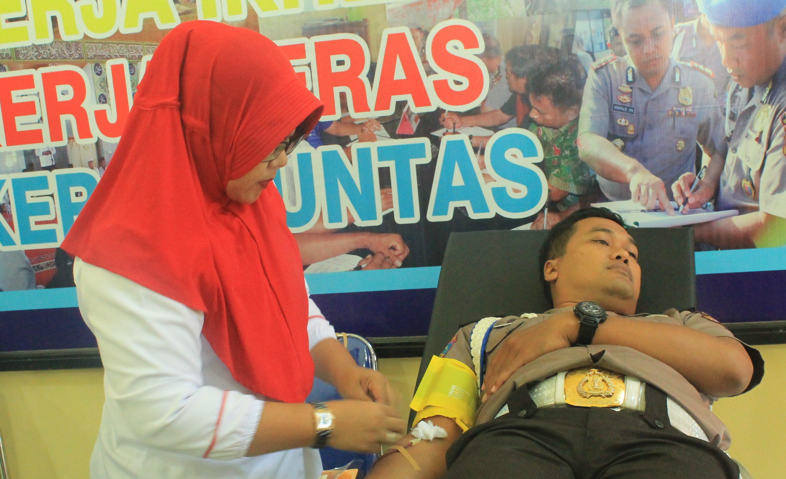 HUT Bhayangkara Ke 72 Polres BU Gelar Bhakti Sosial Donor Darah
