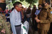 Jaga Ketahanan Pangan di Masa Pandemi, Bupati Mian bagikan Bibit Sayuran dan Pakan Ikan