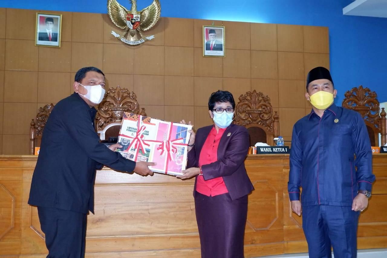 Rapat Paripurna, Bupati Bengkulu Utara Sampaikan LKPJ Tahun 2020