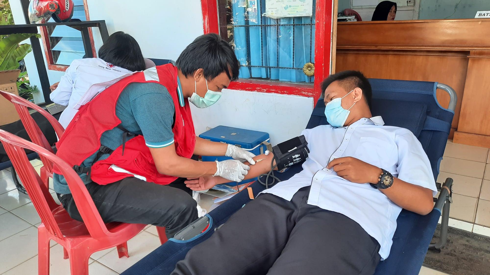 Aksi Sosial, Karyawan Karyawati Dinas Kominfo BU Sukarela Ikut Donor Darah PMI