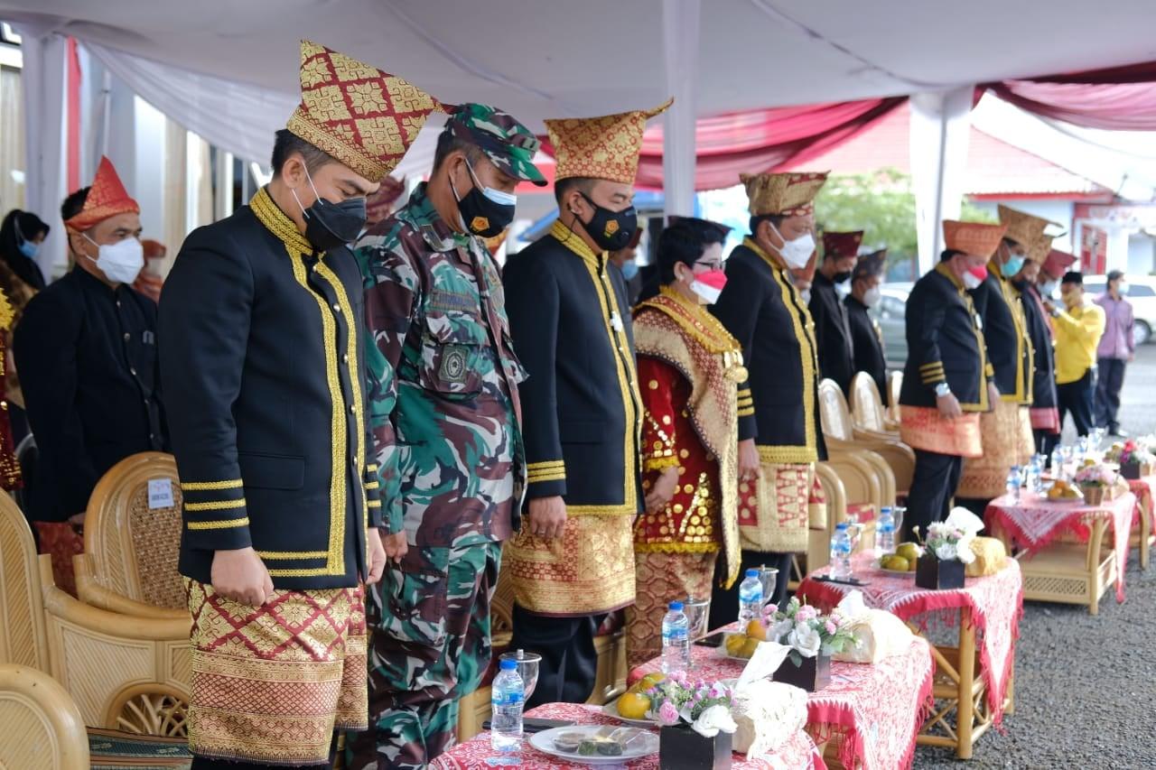 Berjalan Khidmat, Wabup BU Arie Jadi Inspektur Upacara HUT Kota Arga Makmur Ke-45