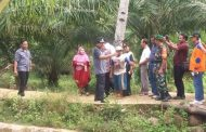 Bupati Bengkulu Utara Mian Meninjau Langsung Jebolnya Irigasi Desa Perbo
