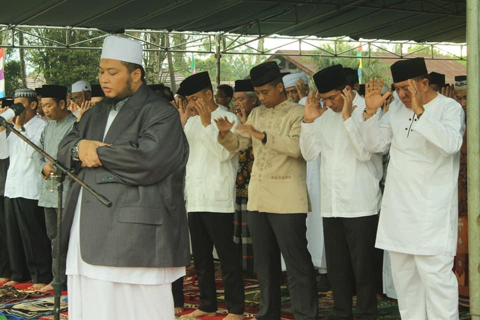 Wakil Bupati Bengkulu Utara Shalat Idul Adha di Lapangan Desa Pal 30 Lais