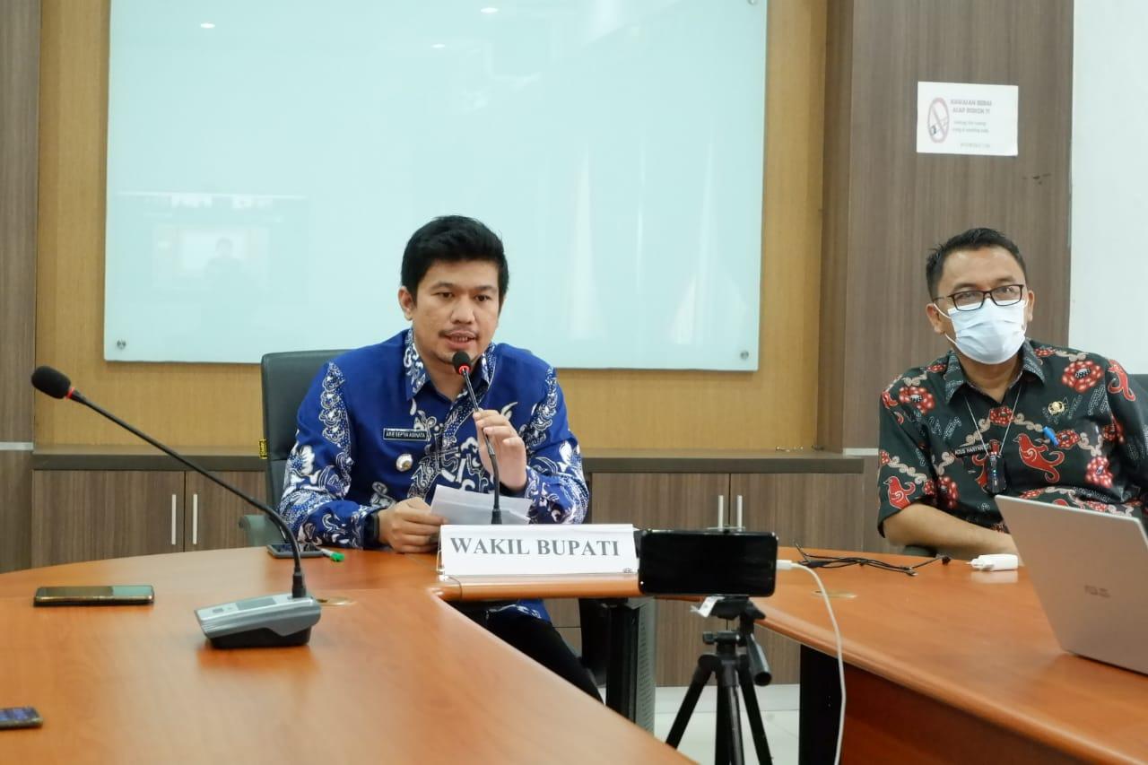 Wakil Bupati Arie Septia Adinata Jadi Opening Speaker Di Webinar Pendidikan