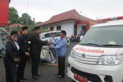 Pemkab Bengkulu Utara Serahkan 2 Unit Mobil Ambulance Alokasi Dana APBD Tahun 2019