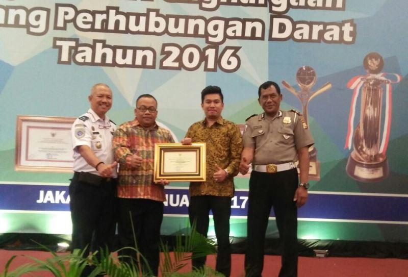 Pemerintah Kabupaten Bengkulu Utara Menerima Penghargaan Wahana Tata Nugraha (WTN) 2016 Kategori Lalu Lintas