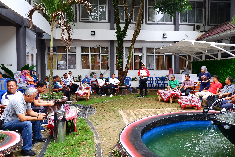 Wujudkan Lingkungan Kantor Yang Lebih Asri, Bupati Bengkulu Utara Bangun Taman Mini
