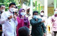 Warga Antusias, Ketua DPR dan Wabup BU Pantau Langsung Jemput Bola Vaksinasi Kec. Air Besi