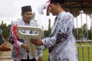 Wakil Bupati Bengkulu Utara Serahkan Bantuan Mobil Operasional Kepada PGRI