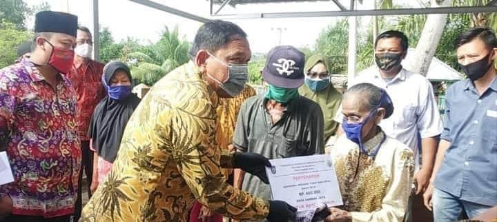 BLT DD Tahap 3 Disalurkan, Bupati BU Tambah Bantuan Paket Sembako