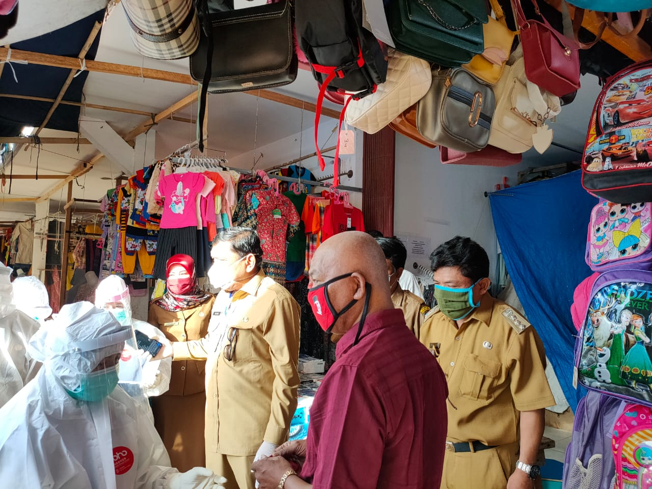 Bupati Mian Pantau Langsung Pelaksanaan Rapid Test di Pasar Lagita
