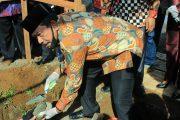 Bupati Mian Letakkan Batu Pertama Pembangunan Gapura Kerukunan Umat Beragama di Desa Rama Agung