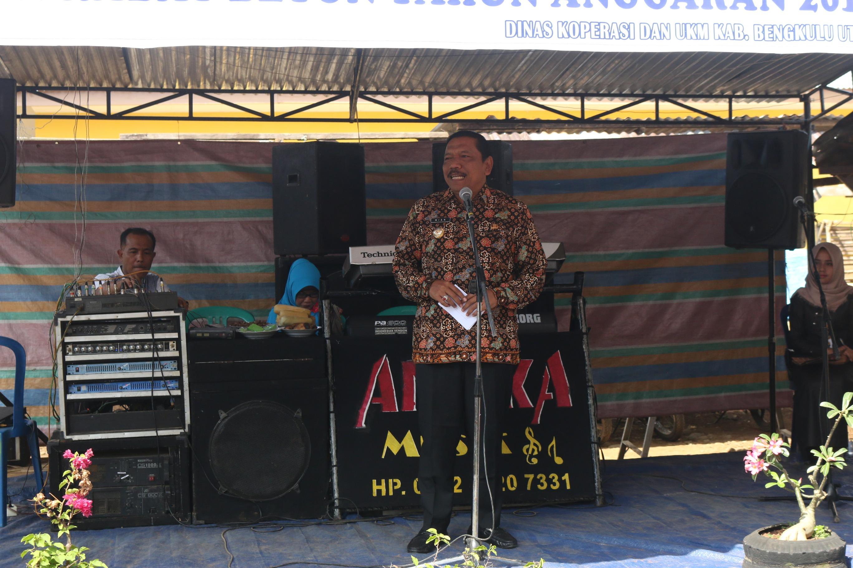 Bupati Bengkulu Utara Meresmikan Pasar Revitalisasi Pasar Rakyat dan Jalan Rabat Beton di Desa Margasakti Padang Jaya