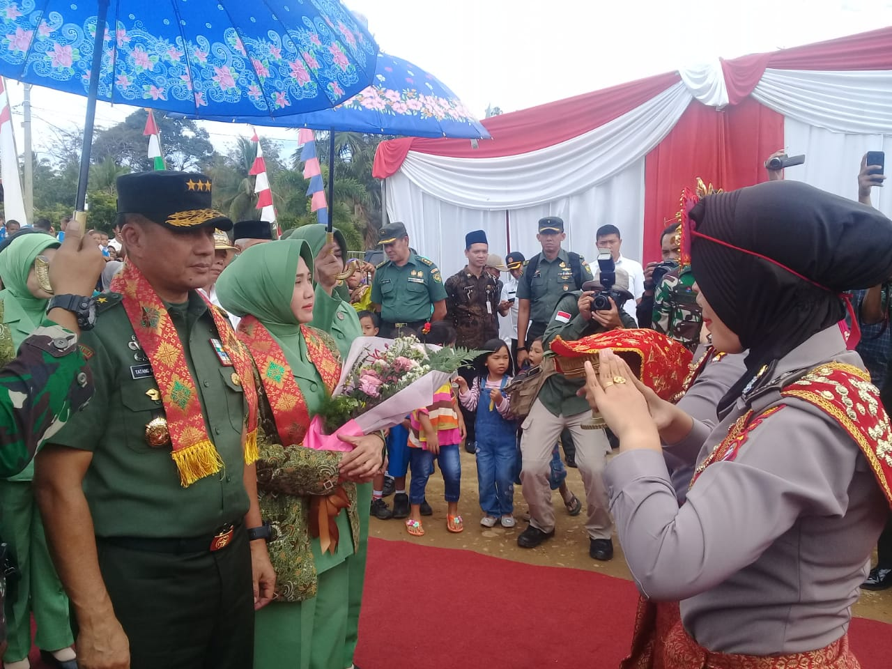 Drama Perjuangan Pahlawan Ratu Samban Warnai Penutupan TMMD Reguler di Bengkulu Utara