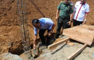 Bupati Letak Batu Pertama Pembangunan Lapangan Sepak Bola di Bengkulu Utara