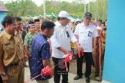 Tingkatkan Kesejahteraan Nelayan, Bupati Bengkulu Utara serahkan 50 Unit Rumah untuk Nelayan