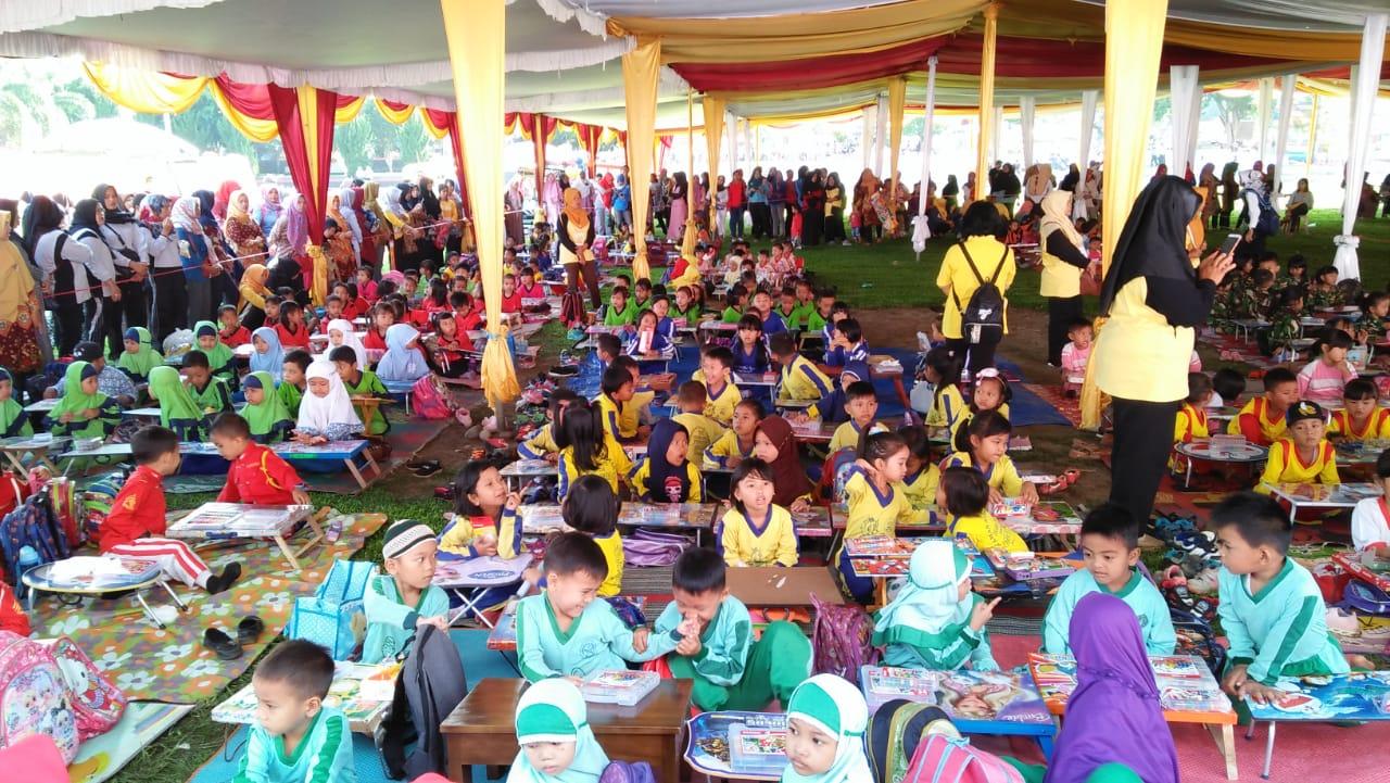 Peringati Hari Guru Nasional dan HUT PGRI Ke-74, PGRI Kabupaten Bengkulu Utara Gelar Lomba Menggambar dan Mewarnai