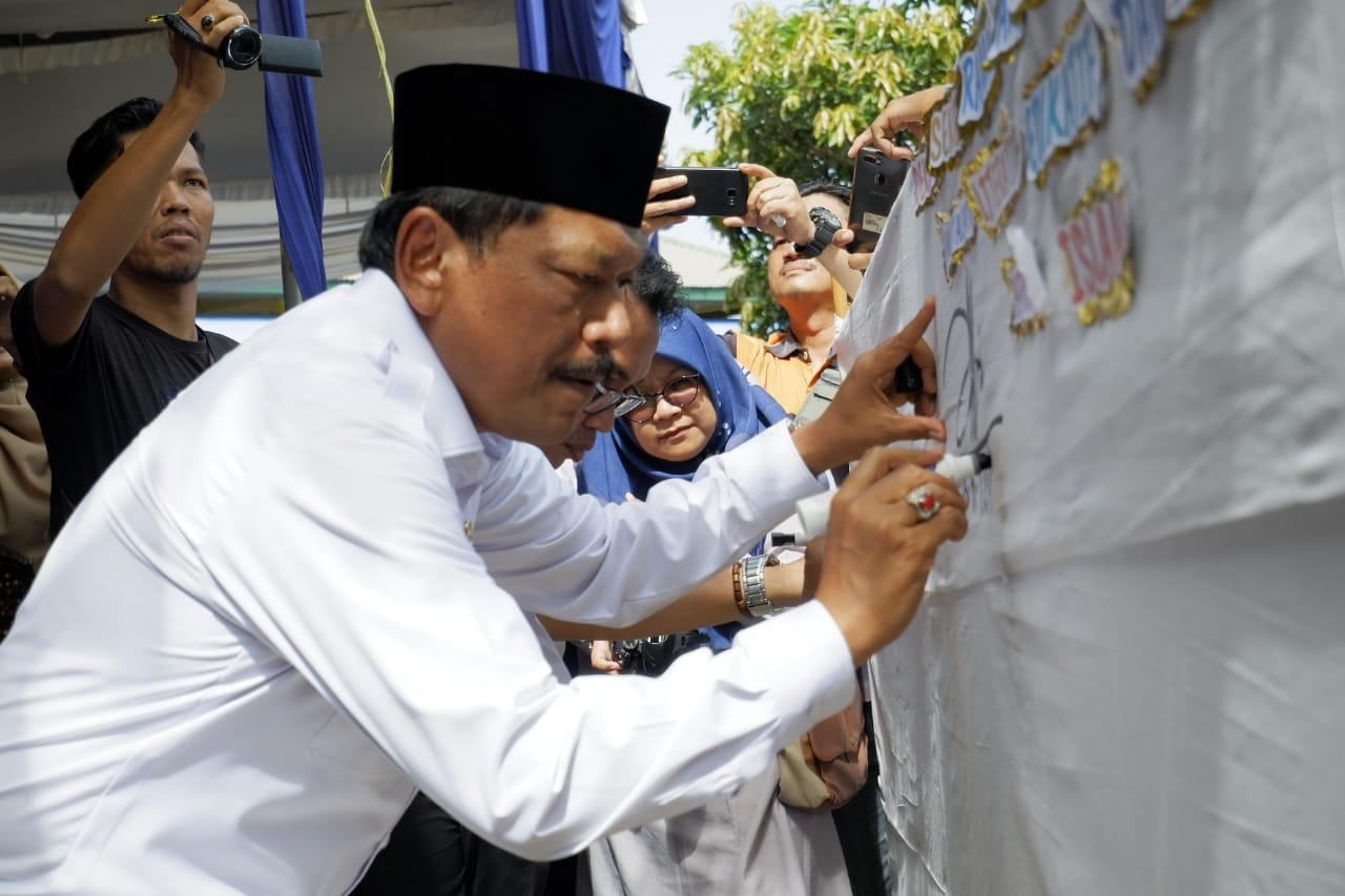 Bupati Bengkulu Utara Ajak Guru dan Wali Murid Optimis Bentuk Generasi Milenial Berkarakter Islami